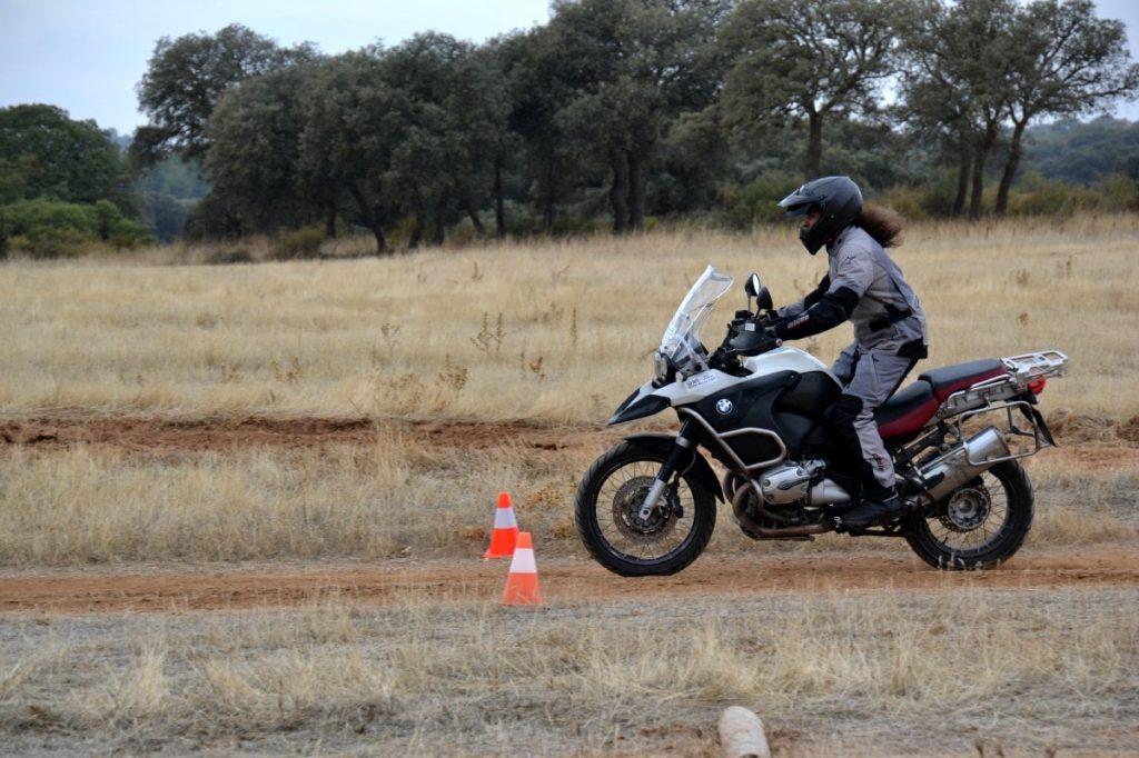 Curos Moto Trail off road aceleracion y frenada