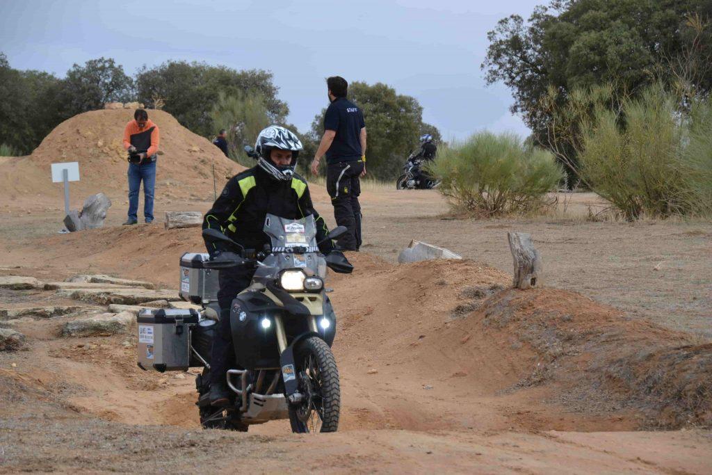 Curso trail moto off road foso