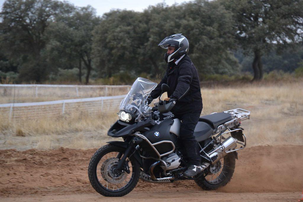 Curso moto off road aceleracion y frenada maxitrail